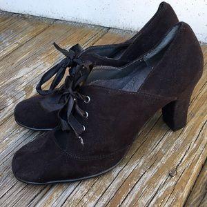 Size 8 1/2 Aerosoles peep heels